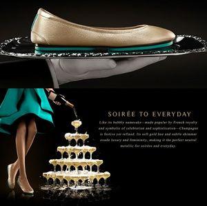 NIB Ltd Edition Tieks Champagne Gold Size US 8
